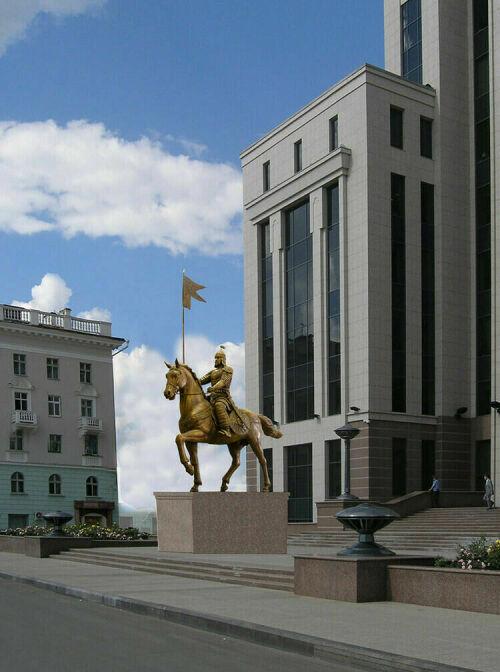 Конную статую казанского хана Улу-Мухаммеда примерили к площади Свободы