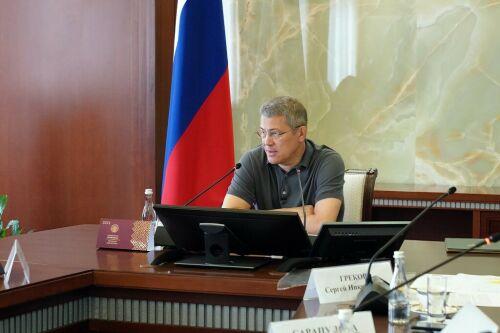 «Биполярка Хабирова»: Башкирия отказалась от запрета на посещение ресторанов