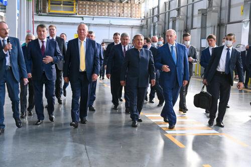Зеленодольск - столица складов: Минниханов и Чемезов открыли логоцентр «Ростеха»